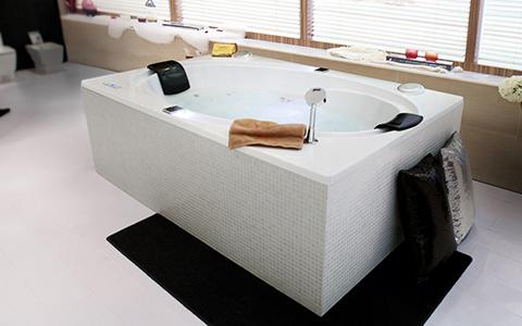 【选购】怎样挑选既好看又实惠的浴缸?